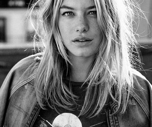 model, beauty, and camille rowe image