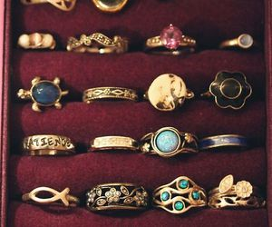 ring and accessorize image