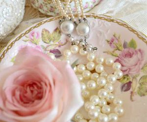 pearls, vintage, and beautiful image