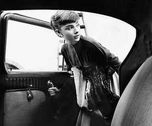 audrey hepburn, black and white, and celebs image