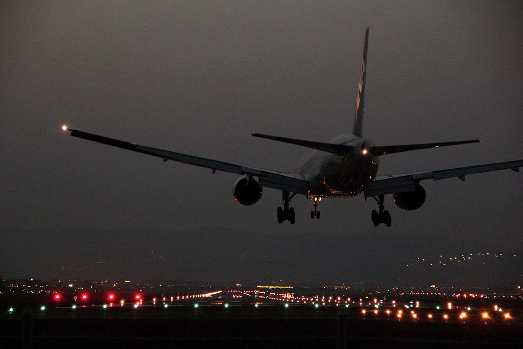 финансисту, картинки самолет ночь выбор