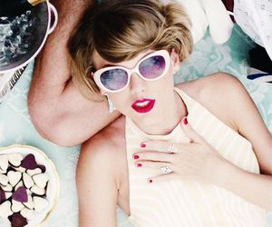13 and Taylor Swift image