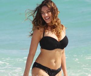 beautiful, bikini, and curves image