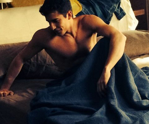 bed and marc marquez image