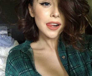 makeup and acacia brinley image