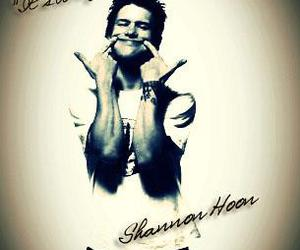 i, shannon hoon, and P image