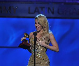 shakira and latin grammys image