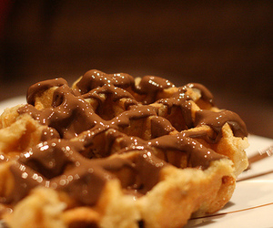chocolate and wafles image