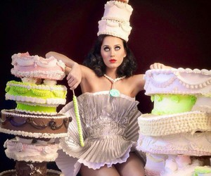 katy perry and cake image