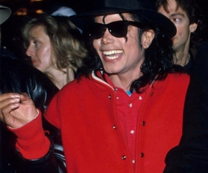 michael jackson, smile, and mj image