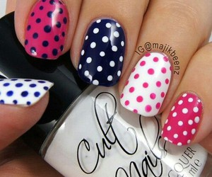 nails and dots image