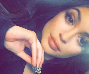 kylie jenner, lips, and snapchat image