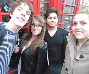 cabine telephonique, english, and friends image