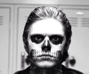 background, iphone background, and evan peters image