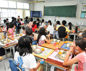 elementary, japan, and school lunch image