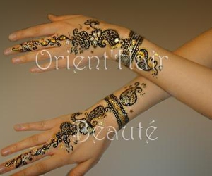 henne and oriental image
