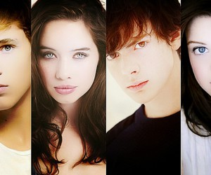 anna popplewell, georgie henley, and narnia image