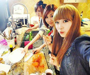 suzy, fei, and jia image