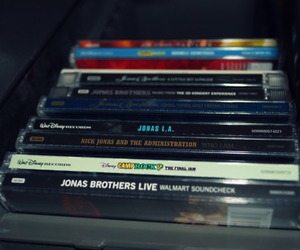 jonas brothers cd's and lizy creation image