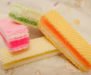 candy, gummy, and pale image