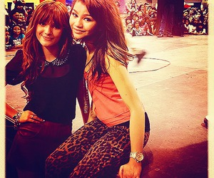 bella thorne and zendaya image