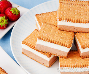 food and desserts image