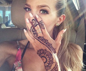 beautiful, henne, and nails image