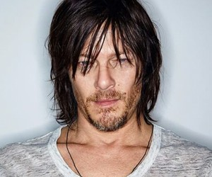 norman reedus, serie, and the walking dead image