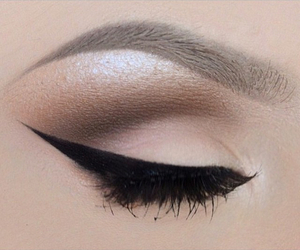 beauty, contour, and eyebrows image
