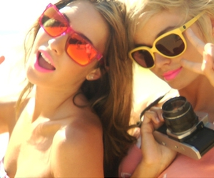 girls, glasses, and sun image