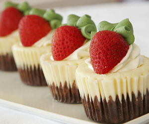 strawberry and cupcake image