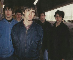 90's, liam gallagher, and noel gallagher image