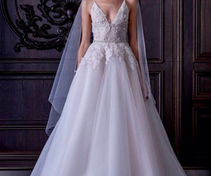 dress, Monique Lhuillier, and wedding image