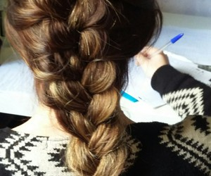 coeur, coiffure, and tresse image