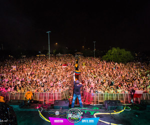 houston, lic, and life in color image