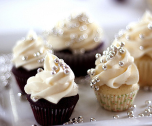 cup cake and smal image