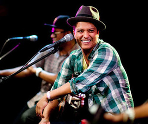 bruno mars, bruno, and hooligans image