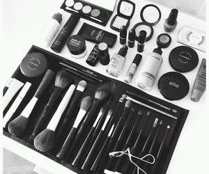 beauty, black and white, and mac image