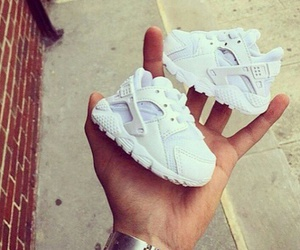 baby, huarache, and nike image