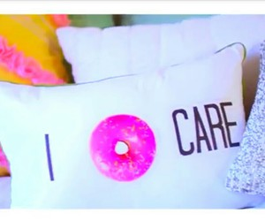 donut and pillow image