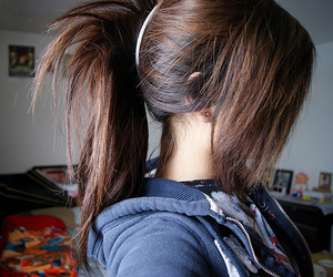تفسير حلم تمشيط الشعر رؤيا تسريح الشعر في المنام