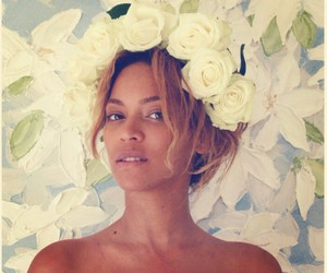 beyoncé, flowers, and Queen image