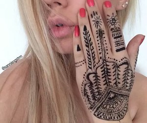 girl, hand, and indie image