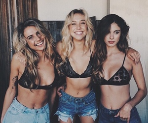 girl, friends, and alexis ren image