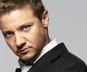 jeremy renner, Avengers, and hawkeye image