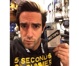 all time low, hot topic, and atl image