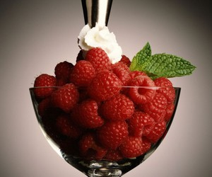 cream, delicious, and fruit image