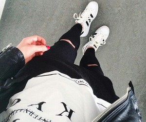accessoires, adidas, and clothes image