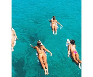 hipster style, surfer chicks, and indie boho fashion image