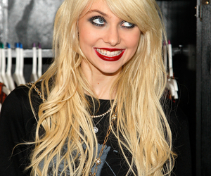 Taylor Momsen, the pretty reckless, and smile image